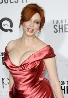 Let's grab in your hands the amazing wallpapers of Christina Hendricks! Christina Rene Hendricks is known out to be one Christina Hendricks Bikini, Beautiful Christina, Beautiful Redhead, Cristina Hendrix, Voluptuous Women, Famous Women, Beautiful Actresses, Indian Beauty, Red Hair