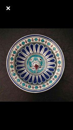 Turkish Art, Turkish Tiles, Ceramic Pottery, Ceramic Art, Arabesque, Crochet Crocodile Stitch, Blue Dinnerware, Pottery Painting, Kitchenware