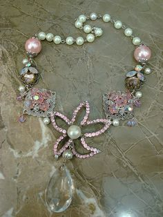 repurposed vintage jewelry | photo
