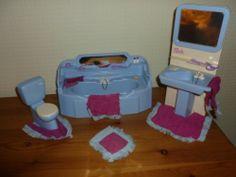 Sindy Blue and White Bathroom Set, 1970's