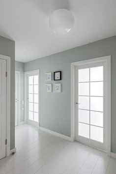 22 Ideas Bedroom Lighting White Floors For 2019 Bedroom Green, Bedroom Colors, Bedroom Ideas, Blue Bedroom Decor, Bedroom Wall, Master Bedroom, Bright Apartment, Paint Colors For Home, Trendy Bedroom