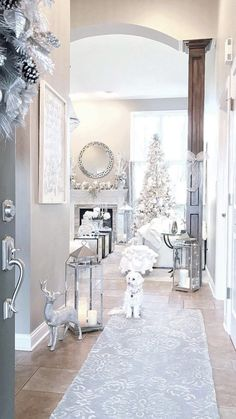 For a white and chic Christmas at home - Kitchen Inst Christmas Room, Pink Christmas, Christmas Holidays, Decoration Christmas, Christmas Tree Decorations, Holiday Decor, Elegant Christmas, Beautiful Christmas, Home And Deco