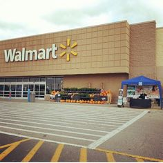 Public Witnessing at Walmart - Carrollton, KY @pinknbluebucalo Thank you. Submit