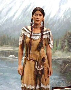 Custom Made Native American Indian Woman Costume (Sacagawea) by Marlene Stewart (Costume Designer) in Night at the Museum: Secret of the Tomb Native American Clothing, Native American Pictures, Native American Artwork, Native American Beauty, American Indian Art, Native American Tribes, Native American History, American Indians, Native American Costumes