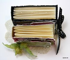 Mini book tutorial from Carole-ish
