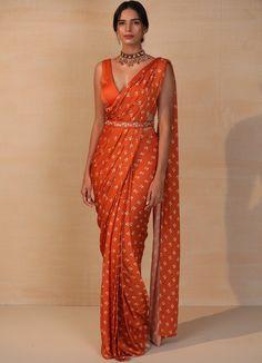 Silk Saree Blouse Designs, Fancy Blouse Designs, Printed Sarees, Saree With Belt, Modern Saree, Crepe Saree, Stylish Blouse Design, Stylish Sarees, Elegant Saree