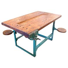 Fantastic industrial workbench with articulated seats Industrial Workbench, Woodworking Workbench, Woodworking Workshop, Woodworking Projects, Workshop Bench, Home Workshop, Workbench Designs, Workbench Ideas, Build A Router Table
