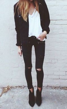 White V-neck tee, black short blazer, ripped jeans street style Mode Outfits, Chic Outfits, Winter Outfits, Fashion Outfits, Fashion Scarves, Fashion Boots, Outfit Leather Jacket, Looks Style, Style Me