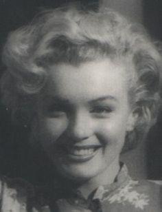 1953 Bel Air Hotel Session Blouse - Marilyn par De Dienes - Divine Marilyn Monroe