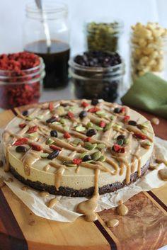 Coffee chocolate creme pie with salted caramel - WHOLE FOOD, RAW & VEGAN