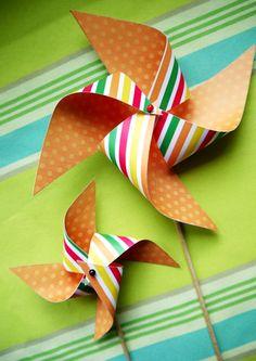 Bird's Party Blog: Video TUTORIAL: How to Make a Paper Pinwheel Cupcake Topper
