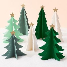 Diy Paper Christmas Tree, Office Christmas Decorations, Kids Christmas, Holiday Crafts, Paper Source, Bone Folder, Holidays, Paper Trees, Snowflake Garland