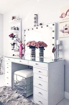 24 Makeup Vanity Table Designs to Decorate Your Home ★ Glam Modern Vanity Tabl. - Furniture I've bought for my home - Make up Makeup Vanity Decor, Makeup Rooms, Makeup Vanities, Diy Makeup Desk, Modern Makeup Vanity, White Makeup Vanity, Makeup Tables, Nice Makeup, Awesome Makeup