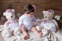 Você já conhece a Coleção Jolie? Ela foi desenvolvida pensando no conforto do seu bebê, é clássica,com bordado em richelieu que traz o romantismo e a delicadeza nos detalhes. As lindas bonecas faz parte dessa decoração,quer ver todos os itens dessa coleção ? Visite o site www.biahbaby.com.br. Você encontra também nas #lojas #parceiras da Biah Baby. Foto #Kauanabeneli Loja #BiahBaby #Andradas. Loja #BiahBaby #PoçosdeCaldas. #gravida #decoracão #nascimento #enxovaldebebe