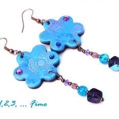 Boucles d'oreilles fleurette bleue par 123 fimo