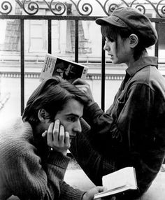 """una-lady-italiana: """"Jean Pierre Leaud and Anne Wiazemsky reading 'Les infortune de la Vertu' by the Marquis de Sade in La Chinoise by Jean Luc Godard, """" Anne Wiazemsky, Jean Pierre Leaud, People Reading, Francois Truffaut, French New Wave, Jean Luc Godard, French Movies, Film Stills, Film Photography"""