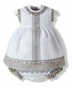 47 mejores imágenes de Vestidos y capotas Para Bebé  ebe30c33499e