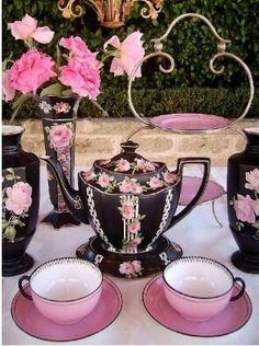 .PINK TE CUP AND BLACK TEA POT PAINTED PINK ROSES, ELEGANT