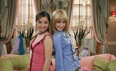Photo of Ashley Tisdale in The Suite Life of Zack and Cody (Season photo 3 of 46 - Duo Costumes, Girl Costumes, Zack Et Cody, Suit Life On Deck, Old Disney Channel, 90s Tv Shows, Teenage Drama, Miss Girl, Tv Show Outfits