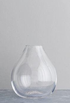 Samuji-koti-drop-glass-vase-clear-photo-sami-repo
