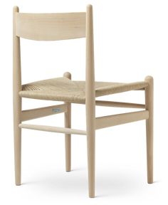 Hans J. Wegner's dining chair is as comfortable to sit in as it is beautiful to behold. Explore the craftsmanship in detail here. Chair Design, Furniture Design, Danish Furniture, Wishbone Chair, Dining Chairs, Home Decor, Dinner Chairs, Homemade Home Decor, Dining Chair