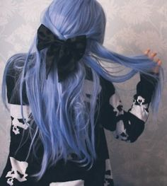 Black Bow Purple Hair – Hair Colors Ideas on We Heart It Periwinkle Hair, Violet Hair, Blue Hair Bows, Purple Hair, Blue Bow, Blue Grey, My Hairstyle, Pretty Hairstyles, Hairstyles Haircuts