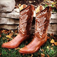 I've always wanted a pair of cowboy boots and now I have them! Happy Birthday to me :)