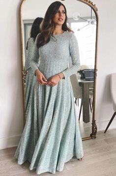 Ethnic Outfits, Indian Outfits, Eid Outfits, Indian Clothes, Simple Lehenga, Kurti Designs Party Wear, Lehenga Designs, Beautiful Pakistani Dresses, Designer Anarkali Dresses