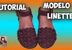 Zapatos tejidos a crochet modelo Linette - Patrones gratis Crochet Sandals, Crochet Shoes, Crochet Slippers, Crochet Bikini, Crochet Video, Crochet Diy, Baby Dress Patterns, Doll Patterns, Crochet Doll Pattern