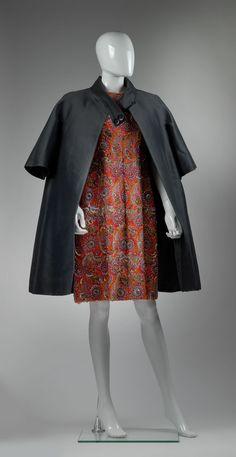 Coats, Skirts, Fashion, Moda, La Mode, Skirt, Fasion, Coat, Cape