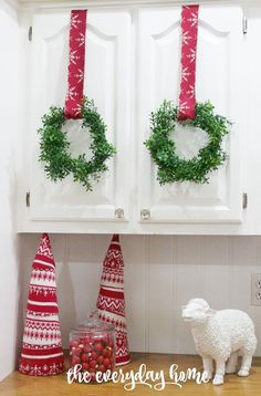 Make Your Own Mini Faux Boxwood Wreaths for About $4 Ea (versus $14)