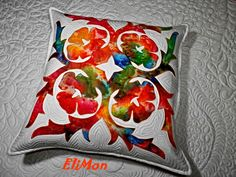 Hawaii quilt, pillow.