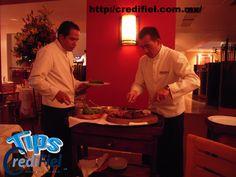 TIPS CREDIFIEL te dice algunos tips de Cómo hacer dinero a cualquier edad. Trabajar en un restaurante es un trabajo divertido que puede tener muchos beneficios. Ser mesero para los clientes puede ayudarte a ganar bastante gracias a las propinas, además de tu salario por hora. http://www.credifiel.com.mx/