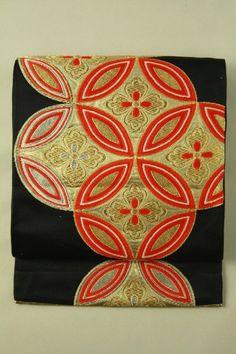 Black fukuro obi (Rokutsu), Shippou flower crest pattern / 黒地 七宝華紋柄 六通袋帯 #Kimono #Japan http://www.rakuten.co.jp/aiyama/