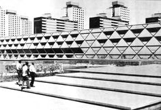 La Escuela Preparatoria, Unidad Habitacional Nonoalco-Tlatelolco, México DF 1964   Arqs. Mario Pani y Luis Ramos   Foto. Armando Salas Portugal