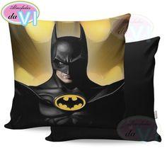 Almofadas do Batman combinam bem com ambientes em que deve predominar a fase/elemento Água. Batman, Feng Shui, Water Element, Personalized Pillows, Stuff Stuff