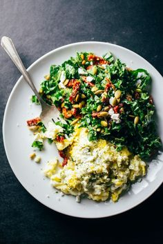 These Goat Cheese Scrambled Eggs with Pesto Veggies are super simple, healthy, and coloful - a perfect quick and easy meal for busy weeknights. 400 calories.