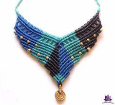 collar estilo étnico de hilo encerado brasileño, técnica macramé en tonos azules. hilo encerado brasileño.,cuentas y charm de bronce macramé