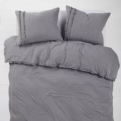 Upgrade your dorm bedding with our stylish duvet covers and comforter sets. Check out our college dorm bedding sets, including Twin XL, twin, full, and queen duvet covers. Dorm Room Comforters, Dorm Room Headboards, Dorm Bedding Sets, Queen Bedding Sets, Bed Room, Cushion Headboard, Bed Pillows, Bed Linens, Grey Comforter