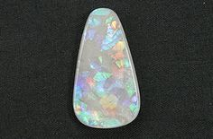 Photos of opal from around the world. Guidance for people who want to buy opal, see different types of opal, understand their names, learn about synthetics and imitations. Calgary Jewellery, Types Of Opals, Natural Opal, Jewelry Stores, Birthstones, Diamond Jewelry, At Least, Jewels, Gemstones