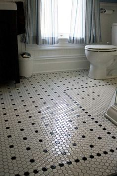 carrelage hexagonal salle de bain rétro en blanc et noir