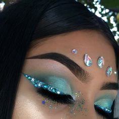 Life is too short to settle for the same, nude make-up look that causes sleep, over and over Rave Makeup, Cheer Makeup, Carnival Makeup, Make Up Inspiration, Beauty Make-up, Mermaid Makeup, Fairy Makeup, Maquillage Halloween, Fantasy Makeup