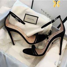 <br> Hype Shoes, Gucci Shoes, Designer Shoes Heels, Fashion Heels, Sneakers Fashion, Fashion Fashion, Fashion Women, Celebrities Fashion, Fashion Clothes
