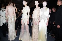 En backstage du défilé Givenchy printemps-été 2016 à New York