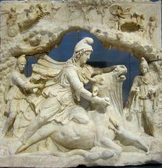 Relief de Mithra, Capitole, Rome, 100-200 ans av. J.C. - Louvre Lens