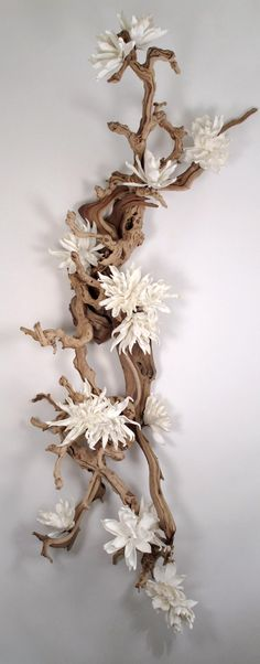 Ghostwood and Grapewood with White Magnolias - Wall hanging x x.- Ghostwood and Grapewood with White Magnolias – Wall hanging x x… Ghostwood and Grapewood with White Magnolias -… - Ikebana, Art Floral, Floral Design, Fake Flowers, Silk Flowers, Wall Sculptures, Sculpture Art, Hanging Flower Wall, Ceramic Flowers