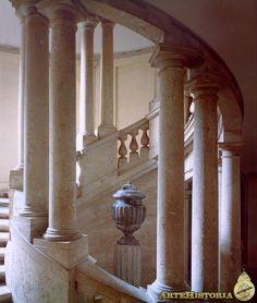 RAFAEL. Villa Madama (Roma). Escalera helicoidal. 1520
