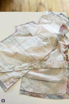 Comment découvrir toutes les techniques de professionnelles pour utiliser un patron l Tutos Couture Techniques Couture, Sewing Techniques, Love Sewing, Hand Sewing, Costumes Couture, Blog Couture, Sewing Hacks, Sewing Tips, Sewing For Beginners