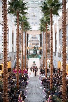 Chic City Wedding in Downtown Chicago | Wedding Inspirasi