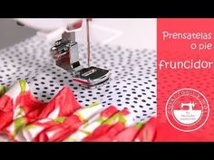 Cómo fruncir con el pie fruncidor - YouTube Sewing Hacks, Sewing Tutorials, Sewing Projects, Sewing Patterns, Singer Overlock, Plastic Canvas Coasters, Free Motion Embroidery, Janome, Learn To Sew